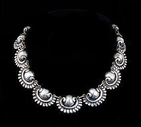 R. RIVERA Deco MEXICAN Silver Repousse NECKLACE vintage