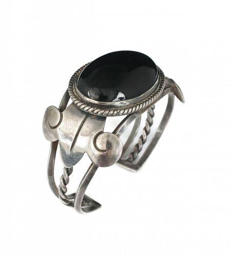 Los Castillo Mexican silver black onyx Cuff Bracelet des. no 304