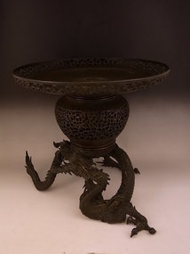 Japanese E. 20th Century Bronze Dragon Design Usubata
