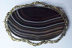 "Victorian Scottish  banded agate ""pebble""  brooch (9K)"