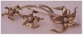 Boucher gold tone Lily with Pearl pin & earrings