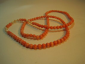 A Vintage Chinese Salmon Coral Pearl Beads Necklace