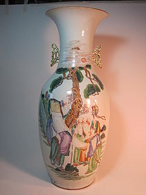 A Beautiful Early 20th C. Chinese Porcelain Large Vase
