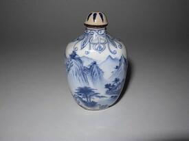 Qianlong enamel snuff bottle