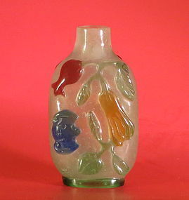 Antique Peking glass overlay snuff bottle