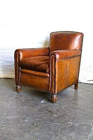 Bezannes Dark Nailed French Club Chair Single