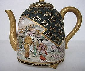 Antique Satsuma teapot Cherry Blossom Viewing
